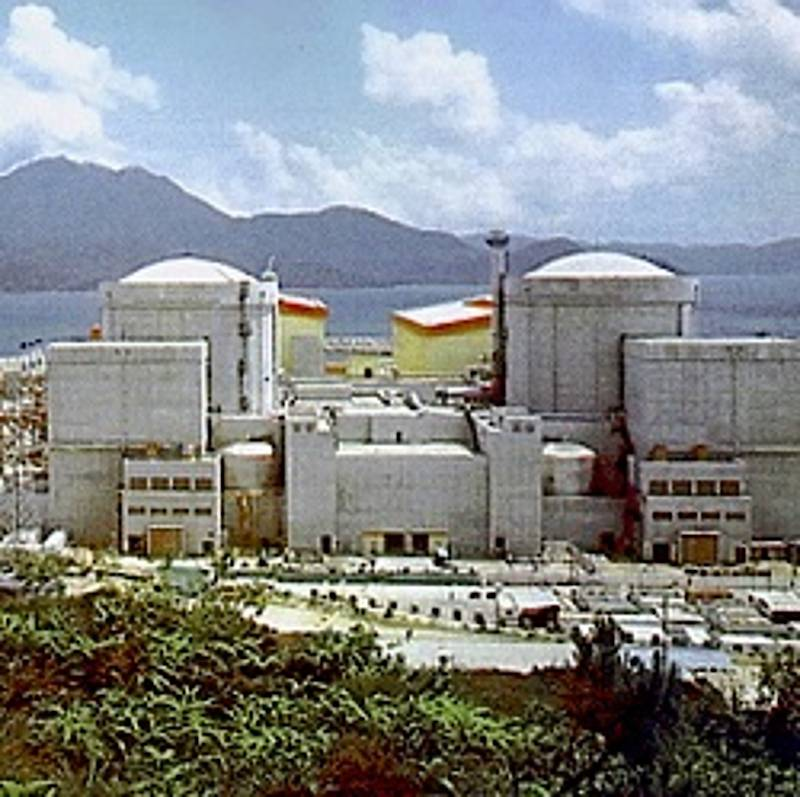 Atomkraftwerk Daya Bay, By No machine-readable author provided. Level plus~commonswiki assumed (based on copyright claims). [Public domain], via Wikimedia Commons