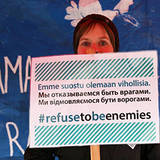 "IPPNW-Social-Media-Kampagne ""We refuse to be enemies"", Teilnehmerin in Helsinki, https://www.facebook.com/werefusetobeenemies/"