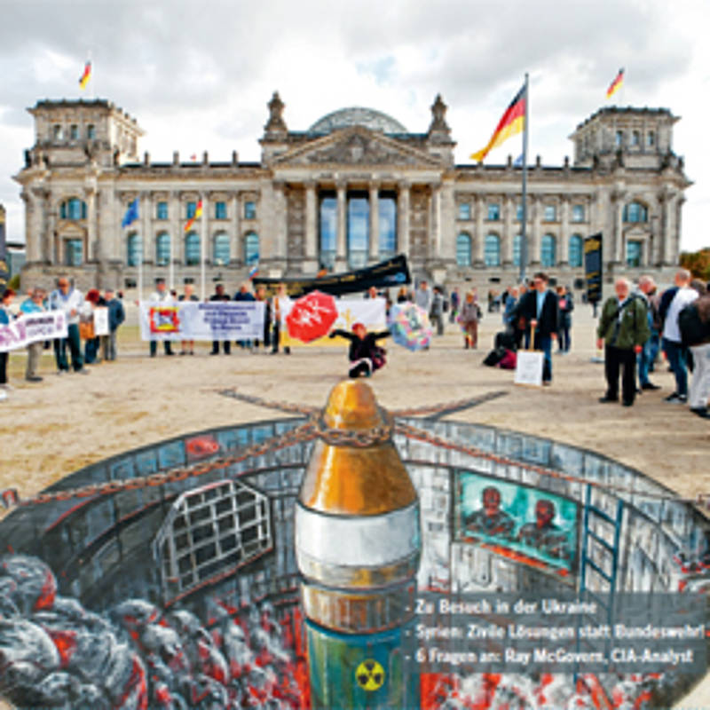 Aktion des IPB-Friedenskongresses am Bundestag Berlin. Foto: (c) Bilal el Soussi