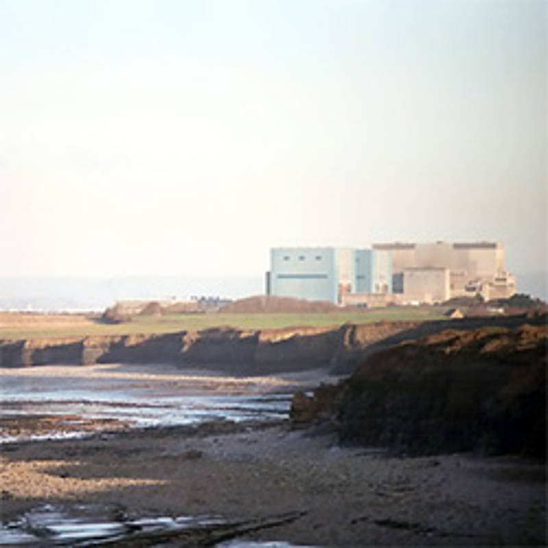 Western End of Hinkley Point Nuclear Power Station, Richard Baker, Wikipedia, http://creativecommons.org/licenses/by-sa/2.0/ (bearbeitet)
